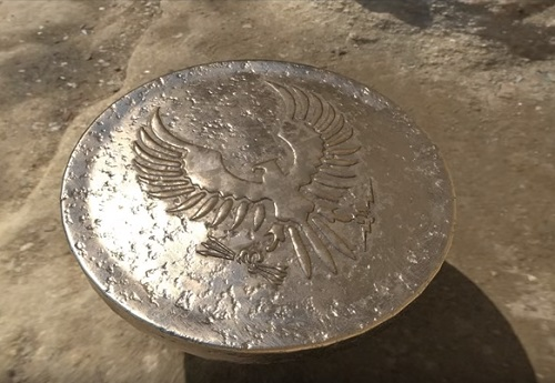 Model a 3D Military Uniform Button in Maya and ZBrush